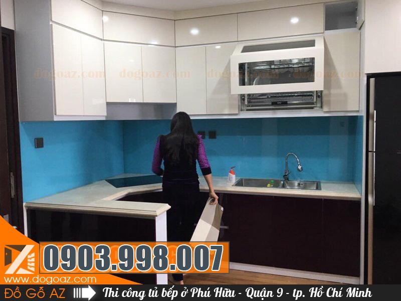 Độ sang trọng của mẫu tủ bếp Phú Hữu Quận 9 - HCM