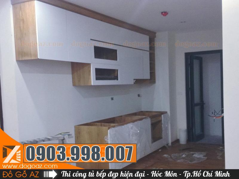 Kiểu tủ bếp hiện đại ở Hóc Môn đóng bởi Đồ Gỗ AZ