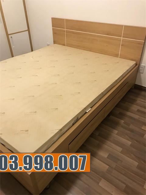 Mẫu giường ngủ đẹp hiện đại có ngăn kéo