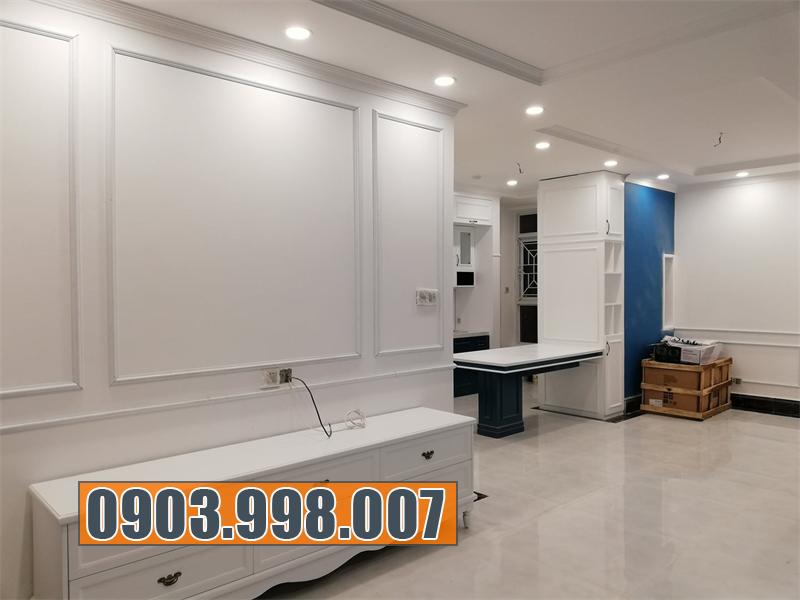 Mẫu tủ kệ tivi màu trắng mang lại vẻ sang trọng, hiện đại cho căn nhà