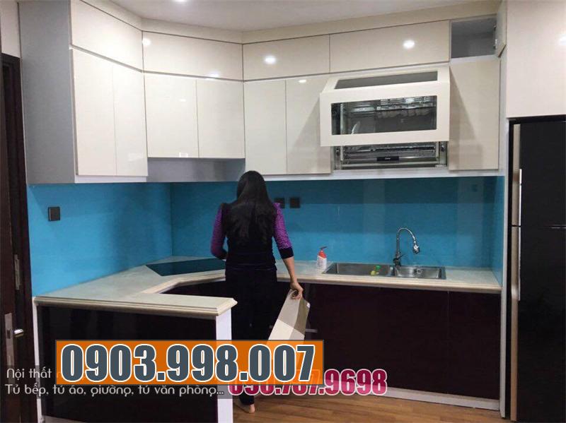 Tủ bếp hiện đại tiện nghi hoàn thiện trên thị trường nội thất TPHCM